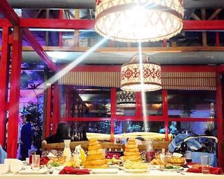 Ооз ачар в ресторане «Ыр кесе»